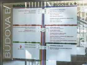 5 Poliklinika Karlov - informační tabule